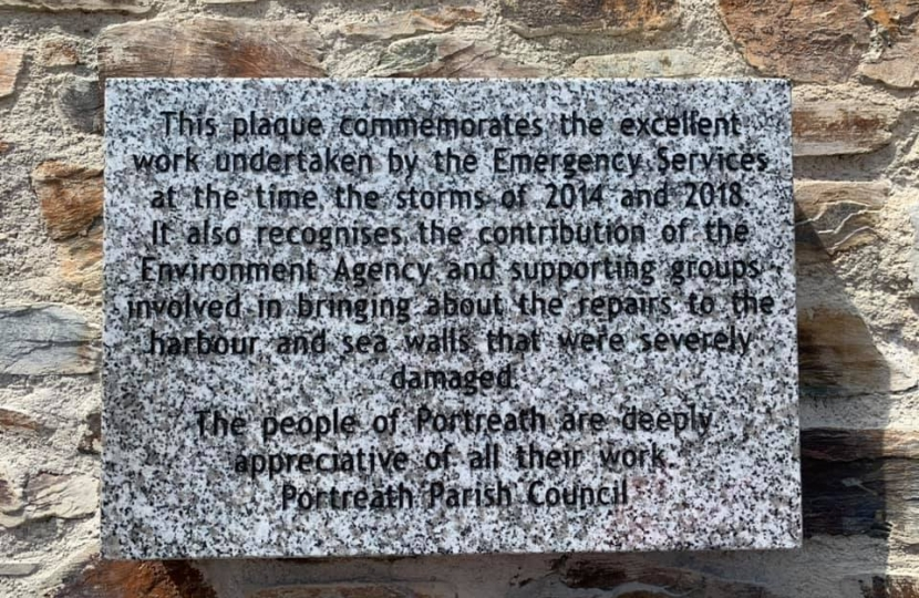 George joins Portreath community to unveil plaque for new sea wall